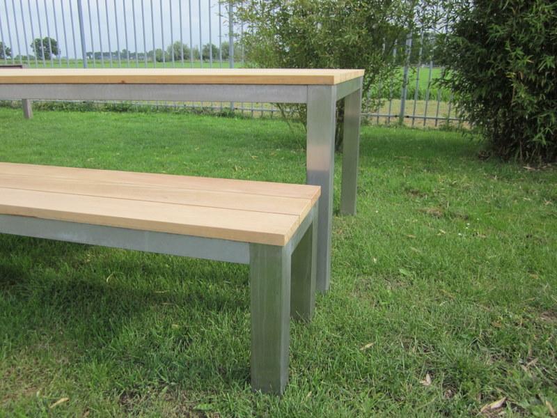 Onwijs tuinbank-met-rvs - Dikke tafels MW-41